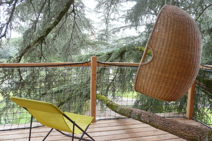 cabane-perchee-bearn-terrasse