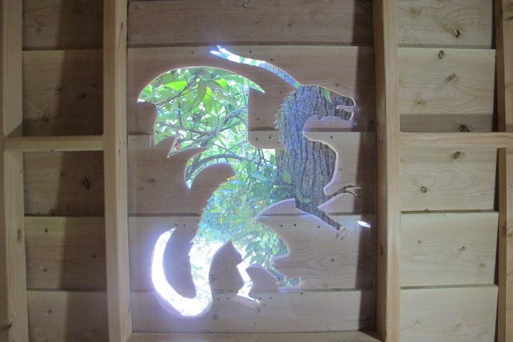 dragon-cabanes-arbres-enfants