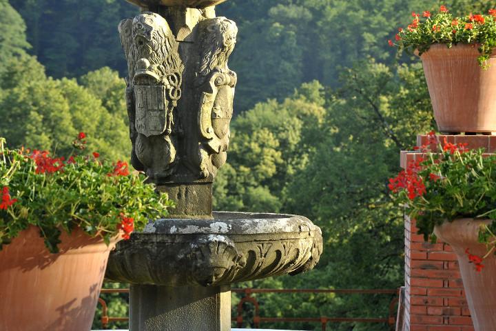 jardin-chateau-italienne-cabane