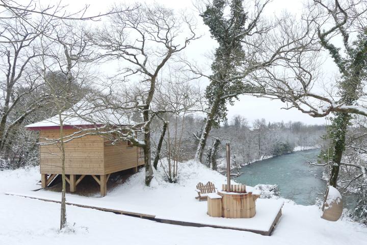 neige cabane bain nordique